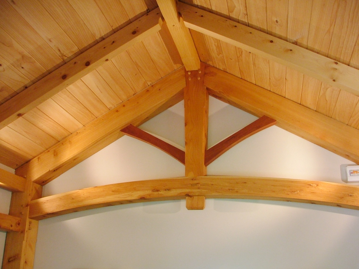 Post And Beam King Post Truss With Curved Tie Beam