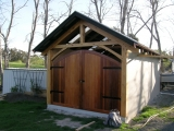 <h5>2 Boathouse with Western red cedar doors</h5>